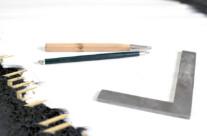 Werkzeuge zum Zeichnen und anreißen von Grabsteininschriften